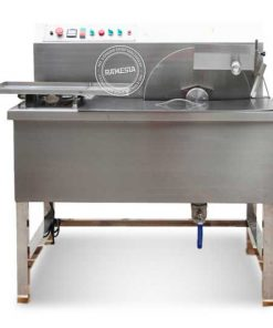 Chocolate Tempering Machine SG-015 Model SG-015 Power (W) 500 watt Kapasitas (Kg/Jam) 15 Voltage (220v/1p/50Hz) Size (cm) 560x600x590 cm G.W (Kg) 40