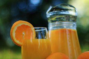 Usaha Juice dengan Alat Peras Jeruk